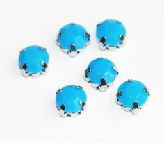 Hey, I found this really awesome Etsy listing at https://www.etsy.com/listing/162339350/20-pcs-of-blue-acrylic-rhinestone-with