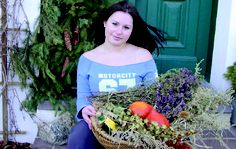 Ausbildung in Weinviertler Kräuterkunde: Im Kräuterdorf Neuruppersdorf zur Kräuterhexe und zum Kraudara werden Training