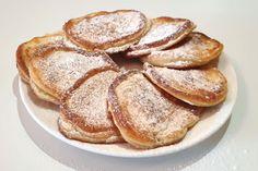 Racuchy znane są chyba każdemu. Najczęściej dodajemy do nich jabłka i cynamon. Ten przepis na placki jest nieco inny, ale równie smaczny. French Toast, Breakfast, Food, Morning Coffee, Essen, Meals, Yemek, Eten