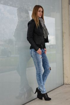 Ripped Jeans & Lace Tights