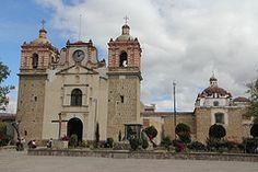 Templo de la Virgen de la Asuncin, Tlacolula (twiga_swala) Tags: architecture mexicana square mexico arquitectura colonial iglesia mexican oaxaca baroque virgen templo attractions asuncin matamoros tlacolula emplo
