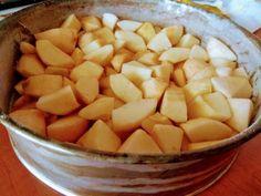 Rýchly a super jednoduchý jablkový koláč pre lenivcov, Rýchlovky, recept | Naničmama.sk Sweet Recipes, Cantaloupe, Ale, Fruit, Food, Bakken, Beer, Meal, Ale Beer