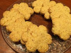 BISCOTTI ALLA QUINOA. Questi biscottini croccanti sono deliziosi e me ne bastano pochi per saziarmi!