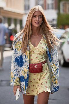 10 alapdarab, ami nem hiányozhat a szekrényedből Womens Fashion Online, Latest Fashion For Women, Latest Fashion Trends, London Fashion, Fashion Fashion, Runway Fashion, Yellow Floral Dress, Wrap Dress Floral, Floral Dresses