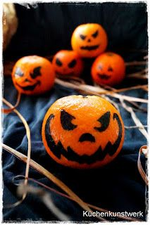 Kürbis-Gesichter auf Mandarinen #halloween #food #hacks #foodie #diy #deko #pumpkin