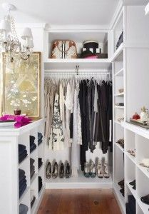 Lovely Walk in Closet Organization Ideas for Small Space