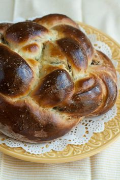 Round Challah With Almond and Coconut Milk | *du pain* | Pinterest ...
