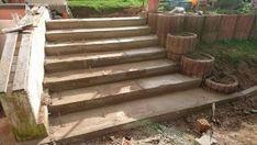Eine Treppe wird benötigt Das Betonieren einer Treppe an sich ist nicht sehr schwer.Gute Planung und richtige Vorbereitung sind ausschlaggebend für den Erfolg eines Projektes. Um aus der Einfahrt in den Garten zu kommen ist eine Anhöhe zu überwinden. Bei feuchtem Boden und Gras ist dies nicht einfach und mit Gefahren verbunden. Abhilfe schafft hier …