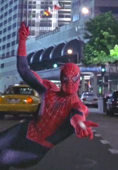 Marvel in film - 2004 - Tobey Maguire as Spider-Man - Spider-Man 2 by Sam Raimi Spiderman Sam Raimi, Spiderman 2002, Amazing Spiderman, Marvel Comics Superheroes, Marvel Avengers, Spider Man Trilogy, Amazing Fantasy 15, Superhero Names, Spider Man 2