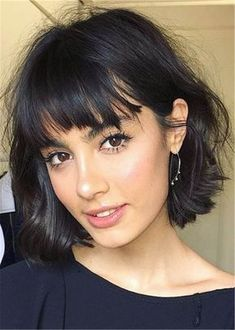 Bobs For Thin Hair, Short Hair With Bangs, Blunt Bob With Bangs, Thick Bangs, Bob Haircut With Bangs, Short Thick Wavy Hair, Haircut Short, Medium Curly, Short Blonde