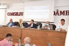 A debutat Programul Județean de Dezvoltare Locală! Primele 30 de contracte de finanțare de lucrări pentru 21 de unități administrativ-teritoriale din județul Dâmbovița au fost semnate astăzi