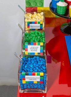 20 Brilliant LEGO Birthday Party Ideas for Kids! - Maegan Edds - 20 Brilliant LEGO Birthday Party Ideas for Kids! Check out these LEGO birthday party idea for kids. From LEGO inspired treats to activities, and some decoration ideas all in one spot. Lego Ninjago, Ninjago Party, Birthday Party Treats, 6th Birthday Parties, Birthday Cake, Diy Lego Birthday Party Ideas, Lego Party Decorations, Party Themes, Ideas Party