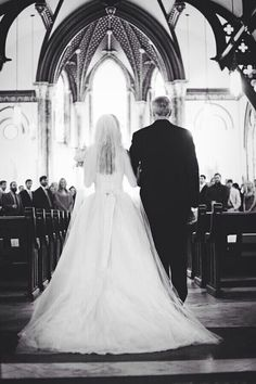 Daddy walks daughter down the aisle  every girl needs this pic at her wedding