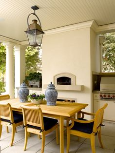 Outdoor dining and pizza oven twist, Seattle. Sullivan Conard Architects.