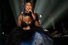 Tamar Braxton Gives Emotional Performance at 2017 Soul Train Awards
