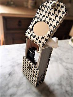 cartonnage lipstick box