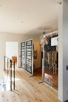 Salon Interior Design, Best Interior, Minimalist House Design, Minimalist Home, Small Apartment Interior, Cool Dorm Rooms, Bedroom Setup, Scandinavian Interior, House Rooms