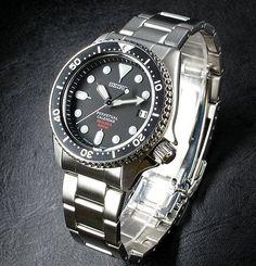 Billede fra http://www.worldwatchreview.com/wp-content/uploads/2010/07/seiko-prospecs-scuba-automatic-200m-diver-f835-sbcm023-quartz-watch.jpg.