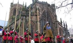 For over 40 years the faithful troops of The Sealed Knot have gathered in the historic town of Nantwich, Cheshire to re-enact the bloody battle that took place in marking the end of the siege… Cheshire Cheese, Derbyshire, British History, Days Out, Chester, Great Britain, Troops, Wales, Battle