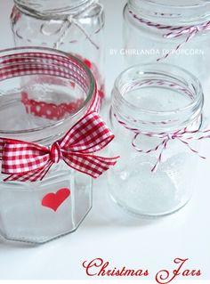 Ghirlanda di Popcorn   progetti creativi: progetti per Natale #5: Christmas Jars Gingham Check, Creative Studio, Accent Colors, Shades Of Green, Popcorn, Jars, Red And White, Christmas Decorations, Colours