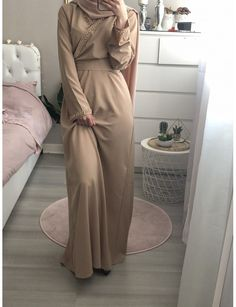 Jennah Boutique - ABAYA EVASE AMANI (CAMEL) Islamic Fashion, Muslim Fashion, Modest Fashion, Fashion Outfits, Hijab Style, Hijab Chic, Hijab Dress, Hijab Outfit, Modest Dresses