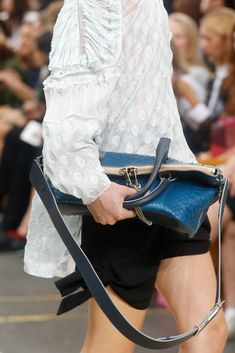 Chloé Spring 2014 Ready-to-Wear Fashion Show Details