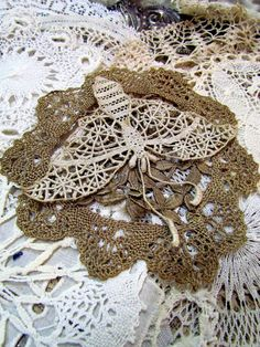 Suziqu's Threadworks: Savouring some stunning lace and New Cards
