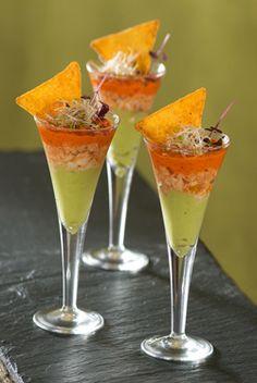Verrine guacamole crabe poivron dans un beau verre à pied #yummy #transparence #guacamole