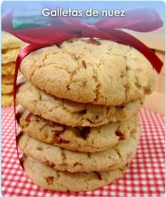 GALLETAS DE NUEZ Mexican Food Recipes, Sweet Recipes, Cookie Recipes, Biscuits, Brownie Cookies, Cake Cookies, Cupcakes, Beignets, Mexican Cookies