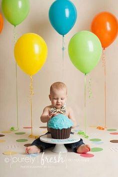 Trendy Baby Boy Photography 1 Year First Birthdays Cake Smash Ideas - Birthday Cake Vanilla Ideen Baby First Birthday Cake, Cupcake Birthday, Cupcake Cupcake, Birthday Balloons, 1 Year Old Birthday Cake, Birthday Gifts, Large Cupcake, Half Birthday, Dinosaur Birthday