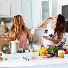 Organizing meals and snacks in advance is one of the MOST important aspects of your #ToneItUp lifestyle!🍓🍍🍉🍐Today we're sharing a few of our favorite meal prepping guidelines, including tips featured from your 8 Week #BIKINIPROGRAM! Find these tips & more in the latest post on www.ToneItUp.com! @karenakatrina #TIUteam #ToneItUp #mealprep #tips  ToneItUp,BIKINIPROGRAM,TIUteam,mealprep,tips Healthy Cooking, Healthy Tips, Healthy Dinner Recipes, Whole Food Recipes, Cooking Tips, Healthy Eating, Keeping Healthy, Healthy Women, Food Tips