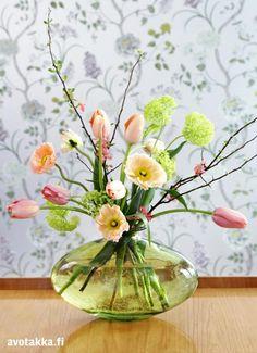 Ihanat ideat keväisiin kukka-asetelmiin   Avotakka