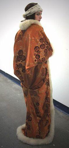 Paul Poiret Kimono Coat by Elizabeth Guy 20s Fashion, Edwardian Fashion, Art Deco Fashion, Fashion History, Vintage Fashion, Korean Fashion, High Fashion, Fashion Dresses, Fashion Trends