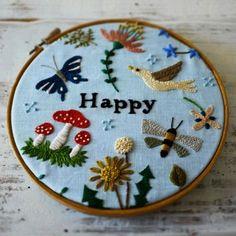 "Képtalálat a következőre: ""Yumiko Higuchi"" Simple Embroidery, Embroidery Fabric, Embroidery Hoop Art, Hand Embroidery Patterns, Cross Stitch Embroidery, Motifs Textiles, Handicraft, Needlework, Decoration"