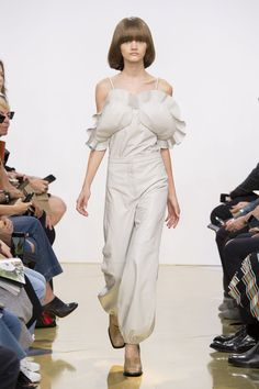 J.W. Anderson at London Fashion Week Spring 2016 - Livingly