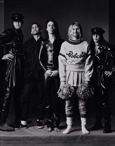 Nirvana from Mark Seliger's 1994 Rolling Stone magazine shoot. (Via hewhocannotbenamed) L to R: Krist Novoselic, Pat Smear, Dave Grohl, Kurt Cobain, Melora Creger (cellist) Dave Grohl, Pat Smear, Rock And Roll, Jimi Hendricks, Musica Country, Music Rock, Music Music, Mark Seliger, Fangirl