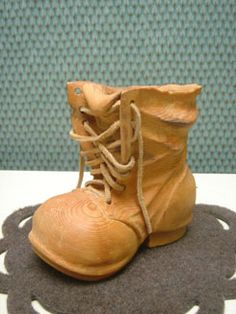Cowboy Boots :: Misty Hollow Carving :: Wood Carving :: Unique Gifts :: Golf Gifts :: Wild Life :: Feathers :: Leaves
