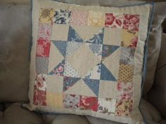 """""""How to Make a Patchwork Pillow: A Fun Tutorial for Using Your Scraps"""" via The Craftsy Blog: http://ift.tt/1oqS4Vv pic.twitter.com/mRGuI4h5y1"""