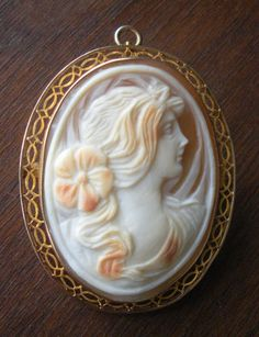 Antique Hand Carved Shell Cameo Brooch or Necklace in 10K Gold Frame