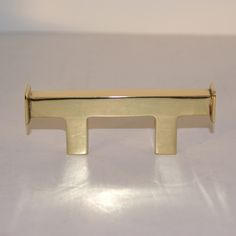 Made to match modern door hardware. Finely sculpted from high quality solid brass. Available in custom sizes and finishes to match your style. @ Signaturethings.com #kitchentrends #interiordesign #Interior #DrawerHandles #BrassHandles #CabinetHandles #DoorHandles #Restoration #Renovation #HomeDecor