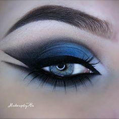 Dark blue smokey angled cat eye #eyes #eye #makeup #eyeshadow #bold #dark #smokey #dramatic