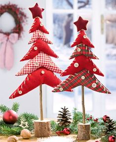 Fabric Christmas Trees on dowels with a wooden base. Fabric Christmas Trees, Diy Christmas Tree, Christmas Makes, Christmas Projects, All Things Christmas, Handmade Christmas, Christmas Ornaments, Xmas Trees, Natal Country