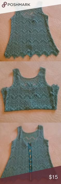 BKE blue lace tank BKE Boutique blue lace loose tank top with back gold zipper. Zipper is fully functional. In good condition, no holes in lace. Size MEDIUM. BKE Tops Tank Tops
