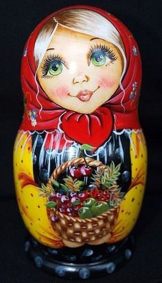Matryoshka: Our collection of Russian dolls Russian dolls intrigue you? More than simple decorative objects, they symbolize Russia. So do not hesitate to discover our entire collection ofmatryoshka. Wooden Figurines, Wooden Dolls, Matryoshka Doll, Kokeshi Dolls, Russian Folk, Russian Art, Worry Dolls, Costumes Around The World, Marionette