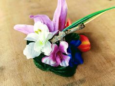 Rockabilly 50s pin up hair accessories, Tropical fascinator, Tiki hawaiian hair flower clip, with colorful tropical flowers, leaves, seashells, beach wood and bamboo! The perfect rockabilly summer beach hair accessory! Handmade and only one of a kind!