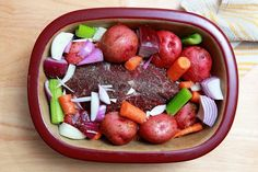 A versatile stoneware dish works well for many dishes, including hearty pot roasts. Pampered Chef stoneware, like other brands, becomes seasoned over time and takes on a nonstick quality, making cleanup easier. Pot roast is a down-home recipe that has earned a place on the list of favorites for its winning tastes and ease of …