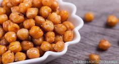 Geröstete Kichererbsen aus dem Ofen sind ein leckerer Snack - und blitzschnell gemacht. Für alle, die gerne gesund knabbern wollen!