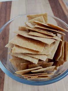 Homemade Wheat Thin Crackers - Our Stoney Acres Healthy Crackers, Healthy Snacks, Healthy Eating, Wheat Crackers, Wheat Thins, Pastry Blender, Cheap Meals, Baking Tips, Breakfast Recipes