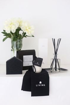 Homevialaura <3 Dermosil Instagram Accounts, Instagram Posts, Scandinavian Interior, Housekeeping, About Me Blog, Living Products, Black And White, Live, Giveaway