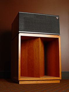 Klipsch La Scala, Hifi history begins here Horn Speakers, Diy Speakers, Stereo Speakers, Monitor Speakers, Wireless Speakers, Audio Design, Sound Design, Klipsch Speakers, Cassette Vhs